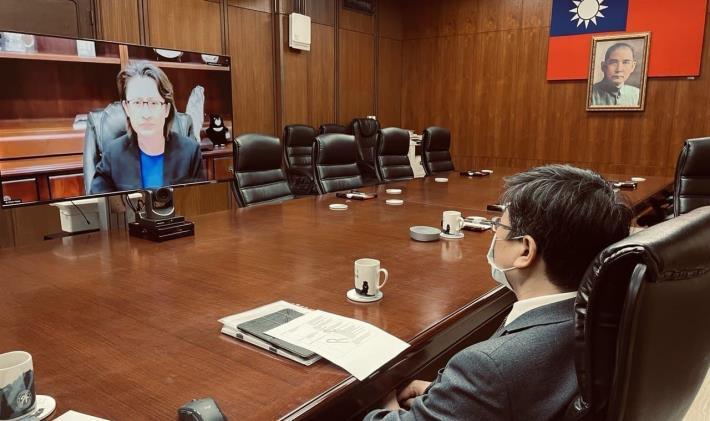 圖說二、我國駐美代表蕭美琴大使(左上螢幕)應邀代表我國政府在「強化非洲對抗伊波拉病毒韌性及應處」高階國際會議致詞。