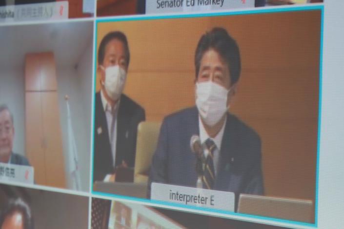 圖說三:安倍前首相以「神秘嘉賓」身分出席首屆「台美日國會議員戰略論壇」並發表友我言論。