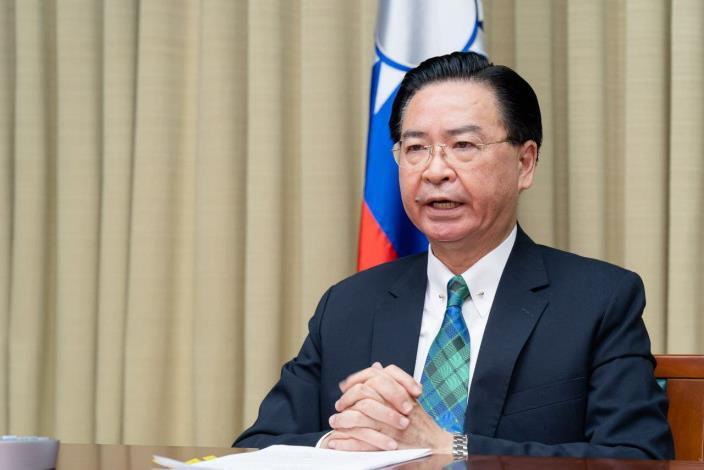 圖說一: 吳部長接受專訪,呼籲世界各國支持台灣參與世界衛生大會。