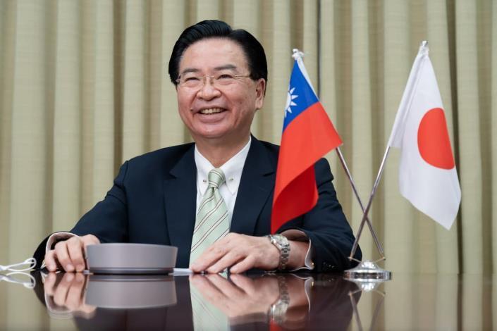 圖說一:吳釗燮部長參加「日本外國特派員協會」國際視訊記者會情形。