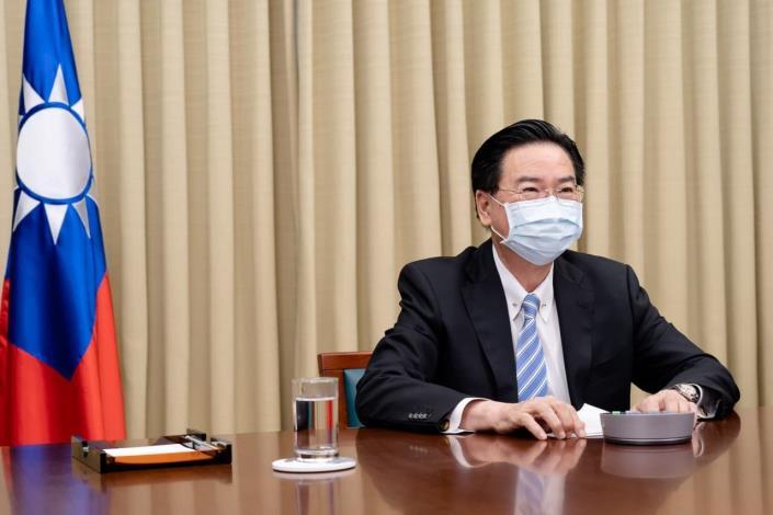 圖說一:外交部長吳釗燮接受西班牙世界報專訪。