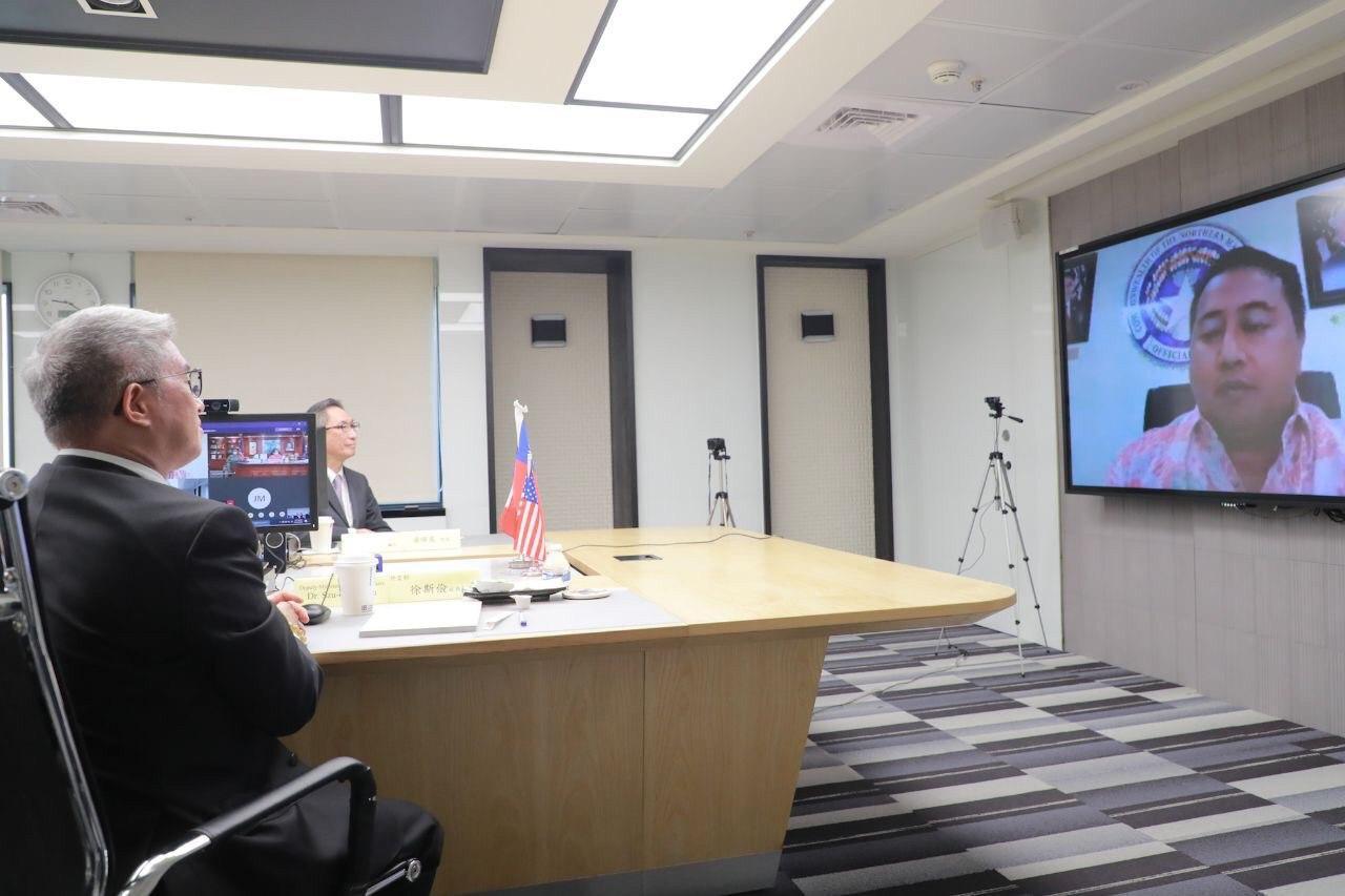 圖三:美國北馬利安納群島邦總督Ralph DLG. Torres線上參與並致開場詞