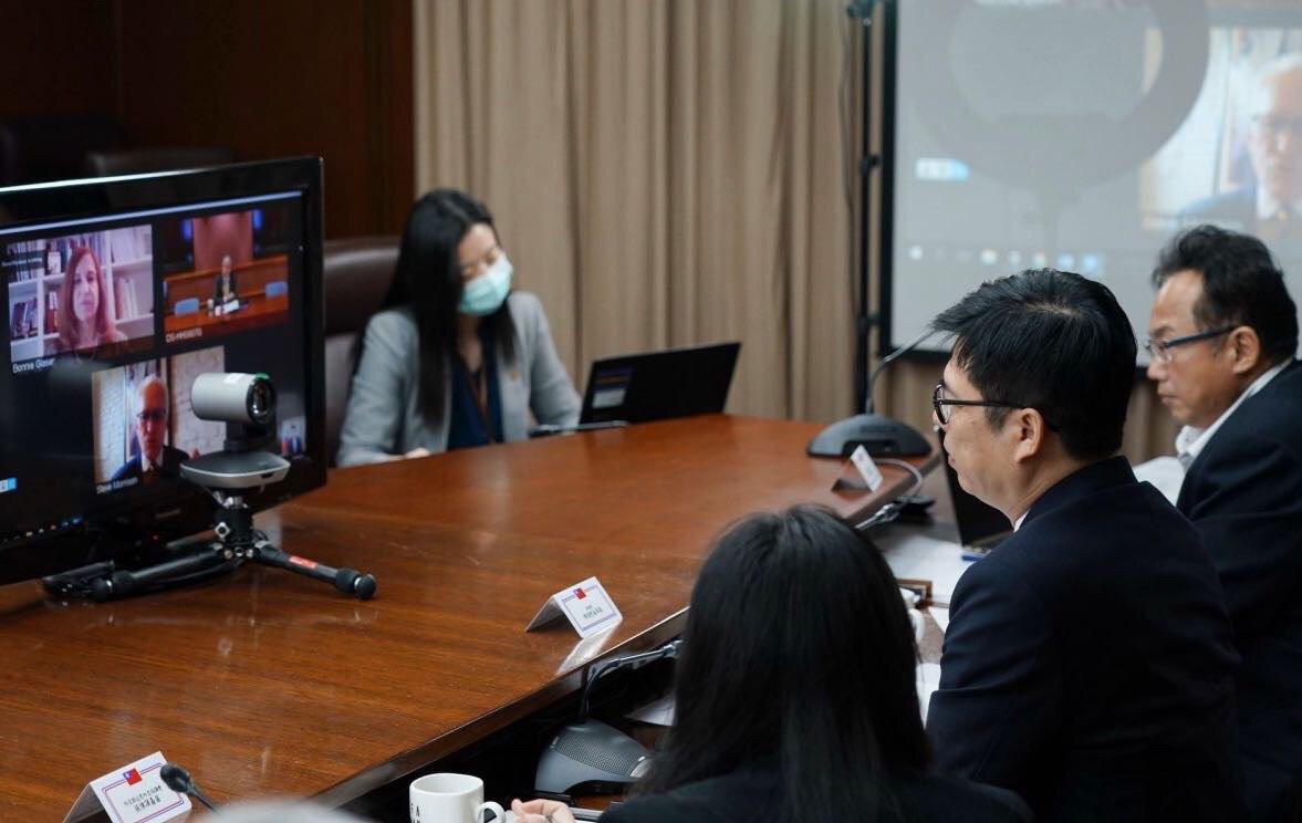 陳副院長與美方透過線上會議交流熱絡