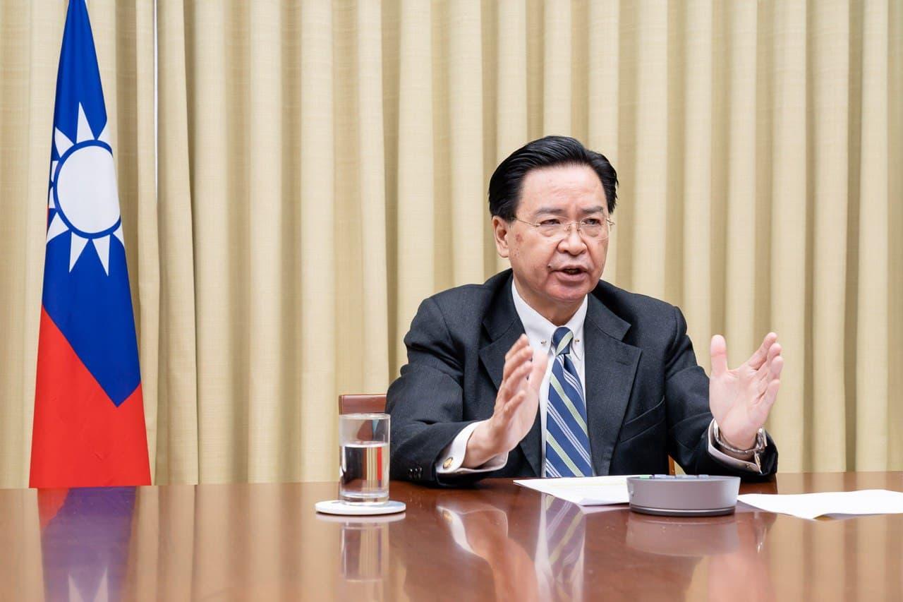 圖二:吳部長於專訪中呼籲理念相近國家共同合作以捍衛民主自由價值。